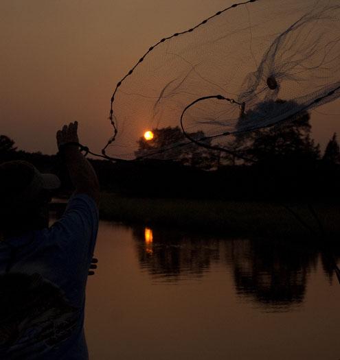 cast-net-sunset-827